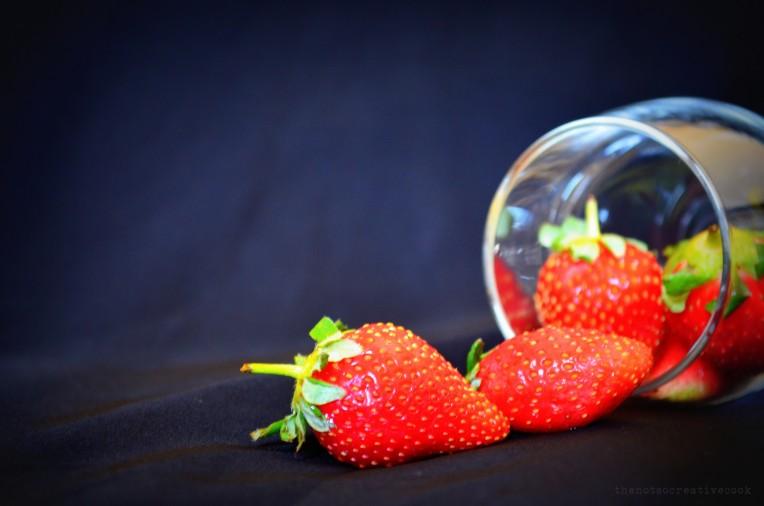 thenotsocreativecook-StrawberryBananaSmoothie