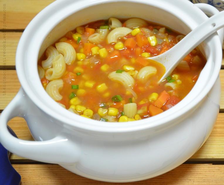 thenotsocreativecook-TomatoCornPastaSoup