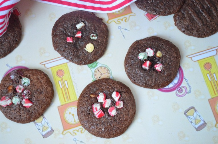 thenotsocreativecook-Chocolate Candy Cane Cookies 3