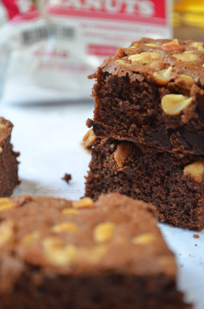thenotsocreativecook-Nutty & Cakey Brownies2