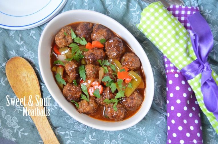 thenotsocreativecook-Sweet & Sour Meatballs