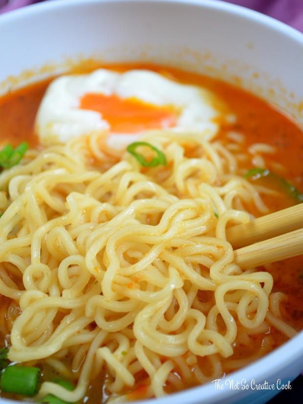 sriracha-ramen-noodle-soup-tnscc-2