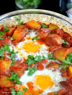 eggs-tomatoes-in-patatas-bravas-2