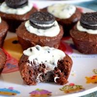 Cookies and Cream Frosted Brownie Bites